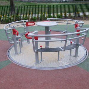 Pyörätuoli käyttäjälle sopiva Karuselle Inter-Play Yogo