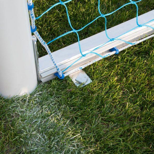coma-sport-jalkapallomaalin-ankkurointi-maahan