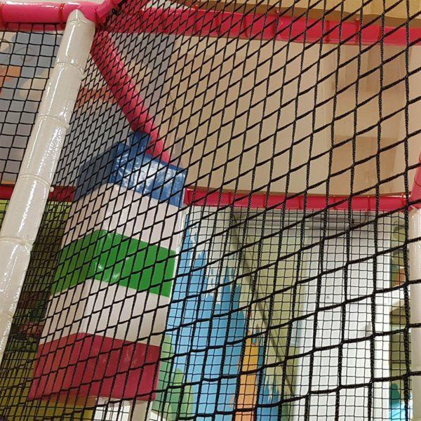 leikkipuisto-sisaleikkipuisto-turvaverkko