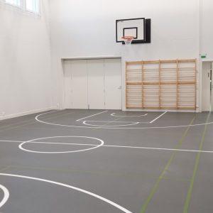 Seinään kiinnitettävät lentopallotelineet / tolpat Sport System