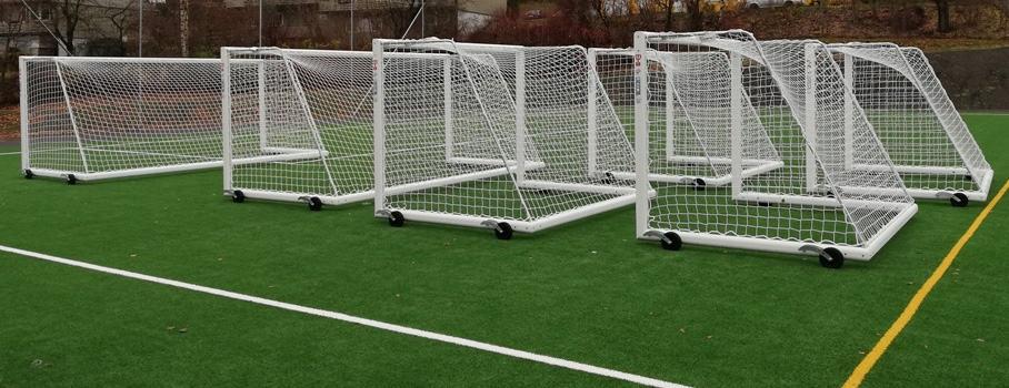 Helposti liikuteltava / siirrettävä 3x2m jalkapallomaali