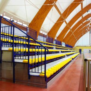 Urheilukatsomo istuimilla sisälle Sport System