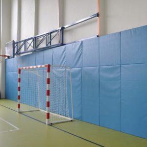 Seinäpehmuste suojaamaan liikuntatilojen seinät