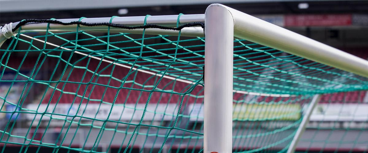 Jalkapallomaali - Liikuntamestari toimittaa maalit jalkapallokentille