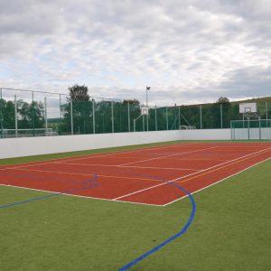 Monipeliareena Coma-Sport 30x15 koulun pihalle