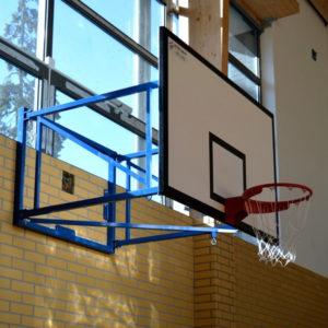 Seinään kiinnitettävä koripalloteline korkeussäädöllä MTB