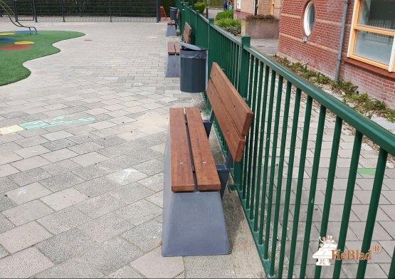 Leikkipaikan penkit - Heblad betoniset puistonpenkit